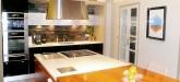 rent-villa-sainte-maxime-centre-maison-kitchen