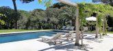 0516 La Font pool and beds