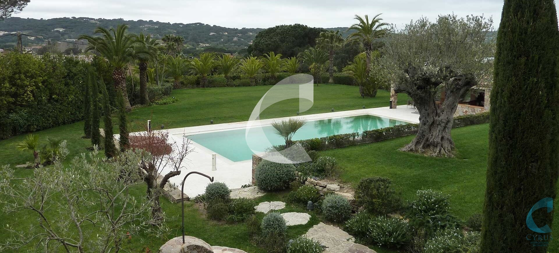 St Tropez Villa pool Rental